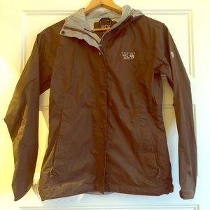 Like new Mountain Hardwear rain coat